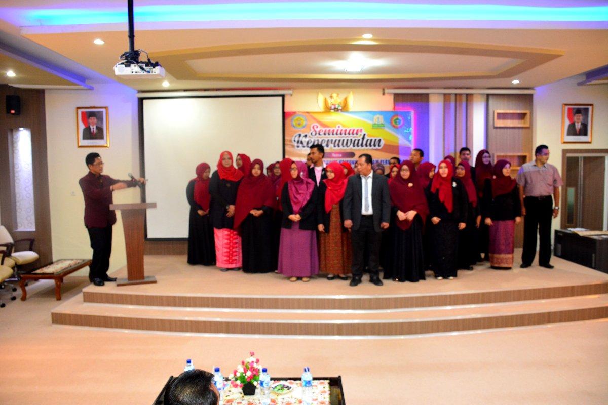Pelantikan Pengurus Ikatan Perawat Kesehatan Komunitas Indonesia (IPKKI) Aceh dan Seminar Keperawata